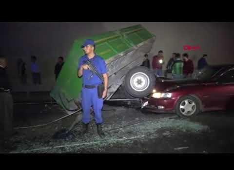 Otomobilin çarptığı traktör devrildi: 7 yaralı