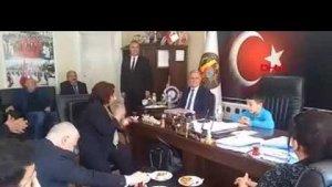 Koltuğa oturan Tuğberk: Santrallerin gölgesinde nesil istemiyorum