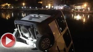 Bartın'da Park Halindeki Araç Denize Düştü