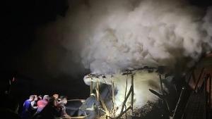 Bartın'daki yangında ahırdaki hayvanlar son anda kurtarıldı